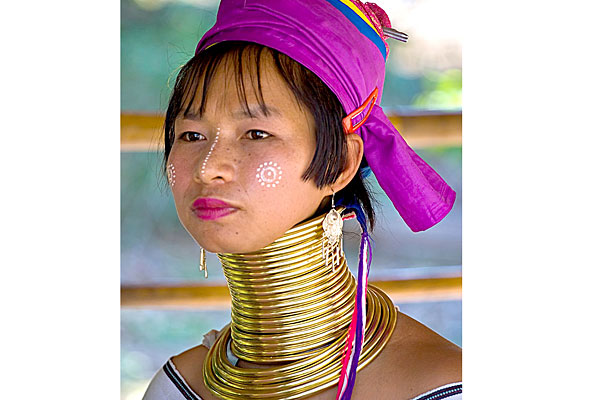 kayan-tribe-thailand_www.cosmopolitan