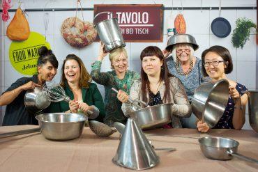 Ariane Tavakol, Claudia Premoli, Christina Fryer, Marina Gladkova, guest, Nana