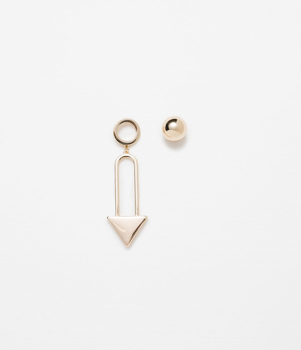 http://www.zara.com/ch/en/woman/accessories/jewellery/triangular-geometric-earrings-c499007p2777067.html