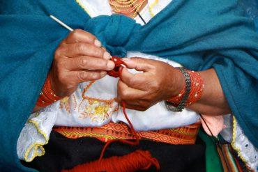 ecuador_otavalo_knitting_8