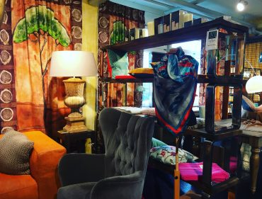 A new and artsy Bed and Breakfast in town - Art B&B
